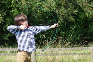 Bogenschießen als Geschenk für Teenager Jungen